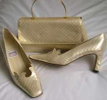 Renata vintage shoes matching bag cream /gold size 5.5