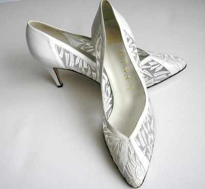 Gina designer shoes bridal/wedding white lace size 6