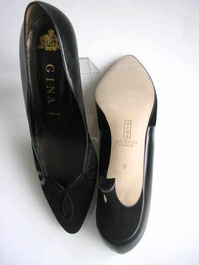 Gina black leather with suede size 5 undersole new