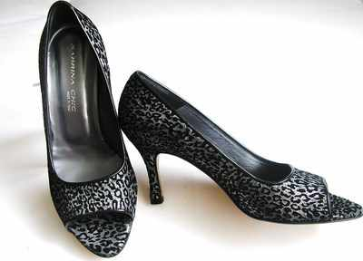 Designer shoes Sabrina Chic peeptoe black/graphite size 4