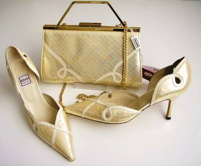 Designer Renata shoes matching bag pearl cream size5.