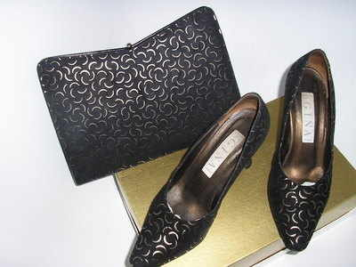 Gina evening shoes matching bag.black gold.size 4 .used
