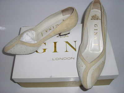 Gina designer shoes suede/leather saffron cream courts size 4