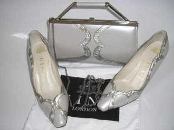 Gina matching shoes bag pearlescent silver grey size 3 vintage