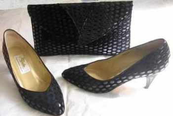 Renata designer shoes matching bag.black suede patent size 3.5 vintage