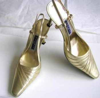 Magrit designer shoes gold leather stilettoe heels Size 3