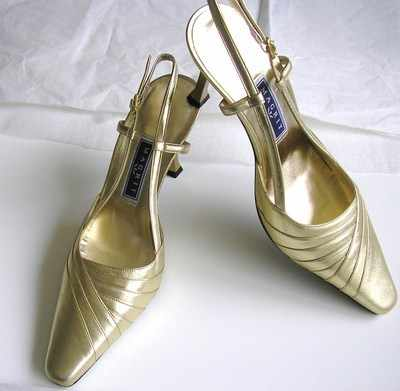 Magrit. designer shoes gold leather stilettoe heels.Size3 New