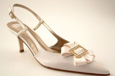 Magrit designer bridal shoes.Ivory satin ,crystals.size 6.