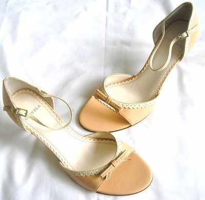 Carvela designer shoes apricot beige stiletto heels size 4 new