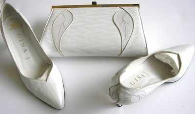 Gina designer shoes matching bag.cream pearl.size 5.5 used