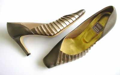 Renata designer occasions shoes.Gold./beige size 7
