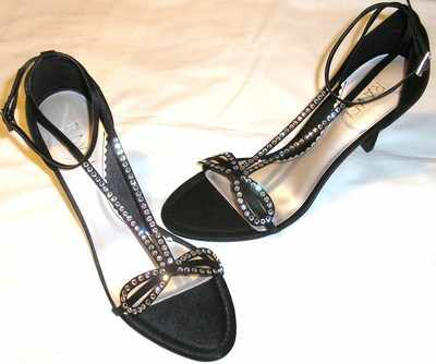 Ravel Designer shoes black strappy, swarovski crystals size 4 new