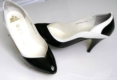 Gina designer shoes.black patent /white size 4.vintage