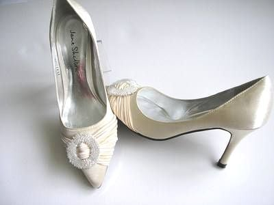 Jane Shilton designer shoes cream satin beads wedding size 4