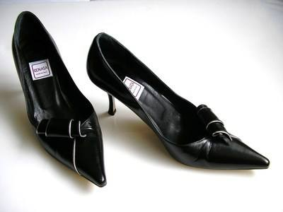 Renata designer shoes black scroll silver trim size4
