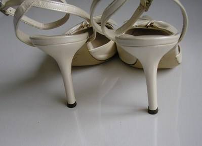 Pearlized ivory butterfly shoes matching bag size 4 (3)