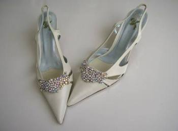 Designer shoes Uad Medani ivory satin crystals bling bridal size6.5