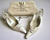 Gino Vaello cream patent designer shoes matching bag size 6.5 used