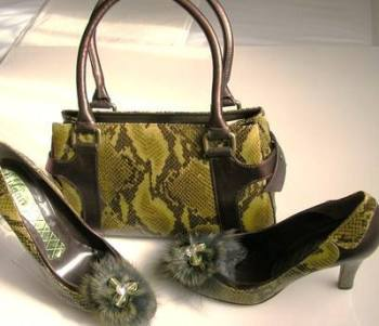 Magrit green python fur trim designer shoes matching handbag size 6