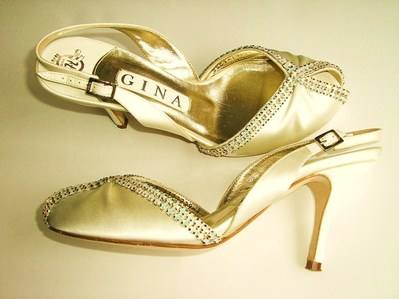 Gina cream satin pearly crystals size 4 005