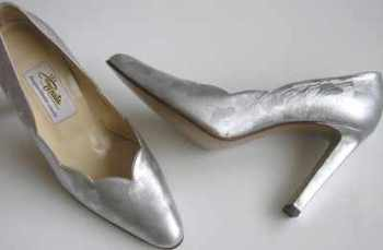 Designer shoes Renata leather silver high heel size 4.5.new
