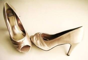 Designer Spanish Efferi shoes dark ivory satin peeptoe size 4.5.mother bride