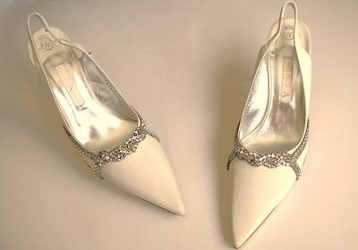 Gina wedding shoes Ivory with crystals Eva size 6.5-7