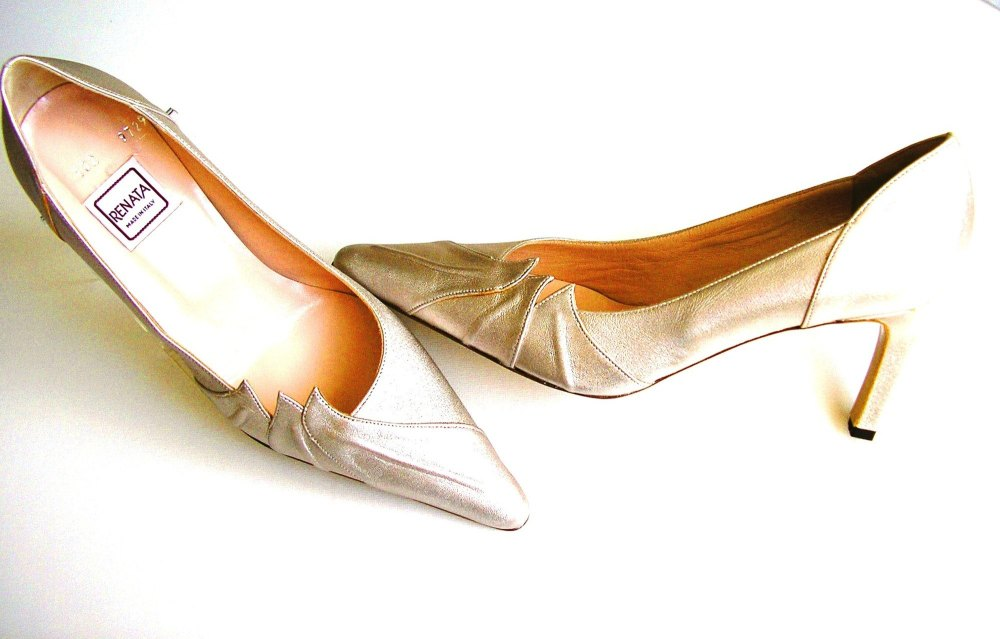 Renata court shoes champagne gold size 5.5 - 6
