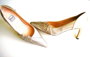 Renata court shoes champagne size 5.5 mother bride
