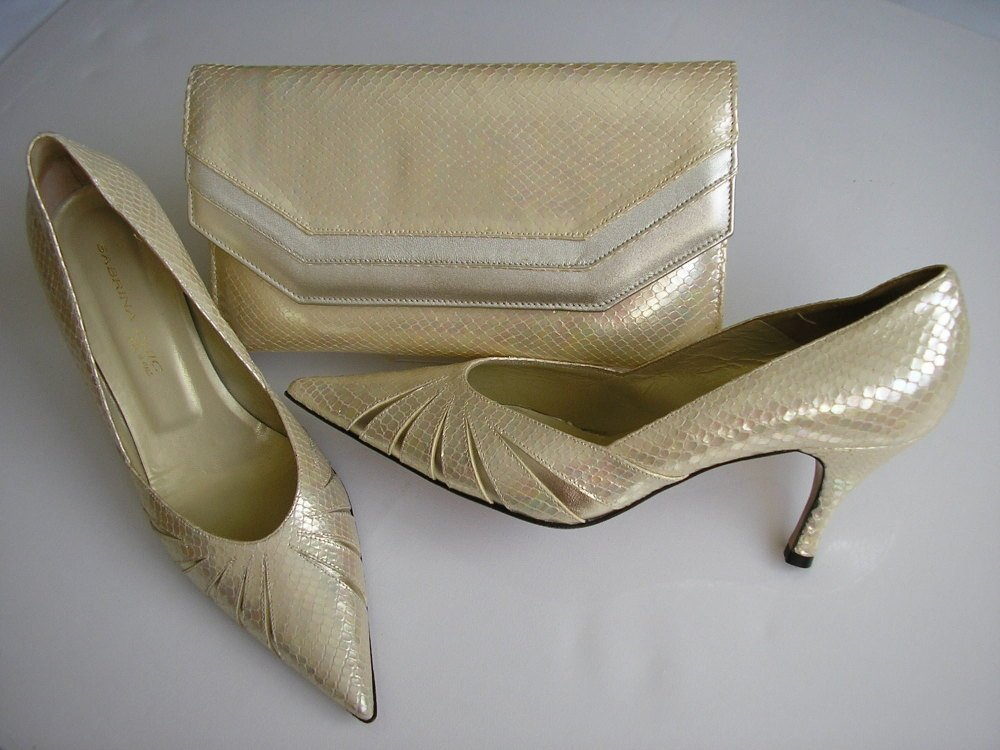 Sabrina chic designer shoes matching clutch cream gold snakeskin size 6-6.5