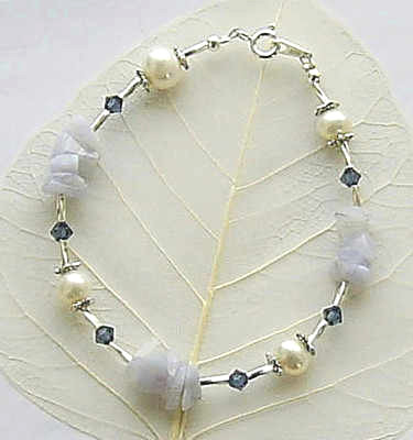 ATTRACTIVE BLUE LACE AGATE AND PEARL STERLING SILVER BRACELET