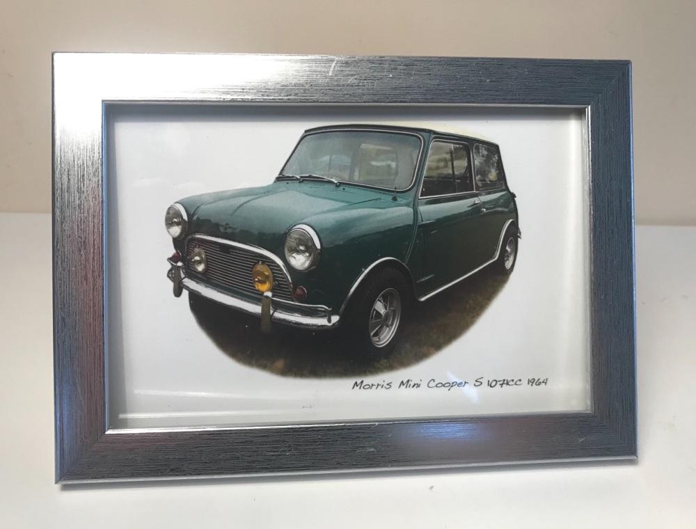 Mini Cooper S 1071cc 1964 - Photo in a Silver coloured frame - Free UK Deli