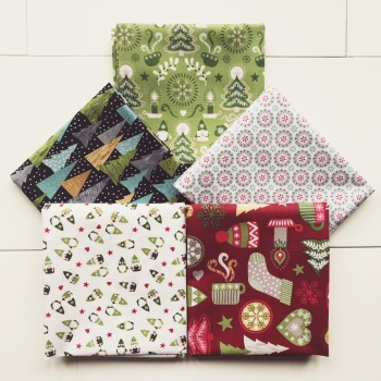 Hygge Christmas Fat Quarter Bundle
