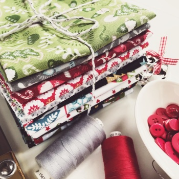 Lewis & Irene - Hygge Christmas Fat Quarter Bundle - Full Set of 15 Fabrics