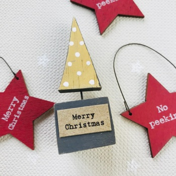 Small Wooden Scene - Brown Little Christmas Tree