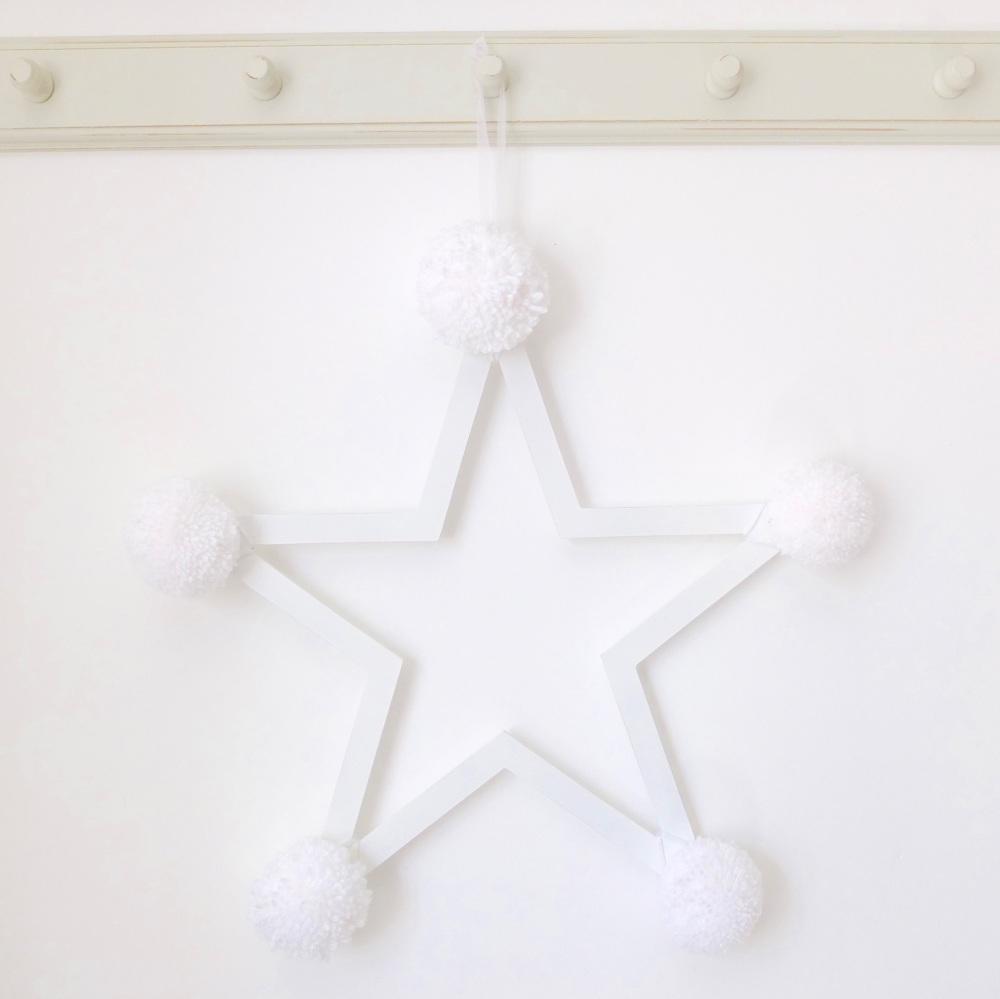 Pom Pom Star - White