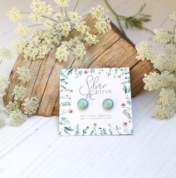 Resin And Wild Flower Earrings In Mint