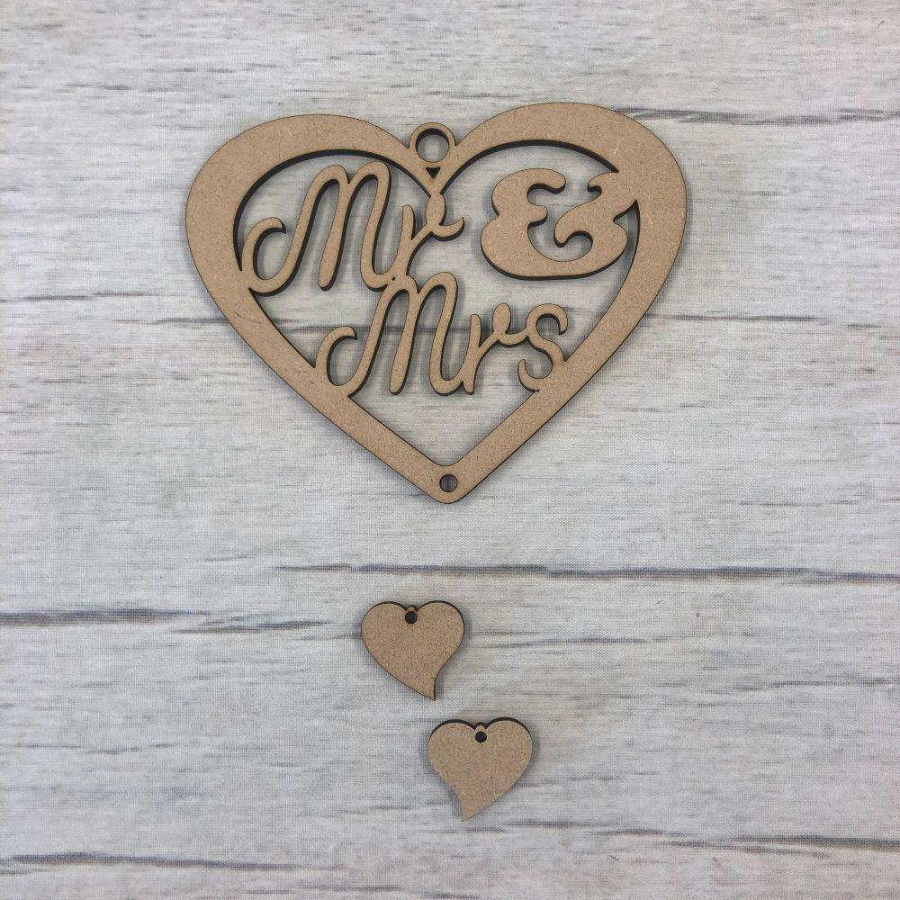 Hanging heart - 'Mr & Mrs'  2