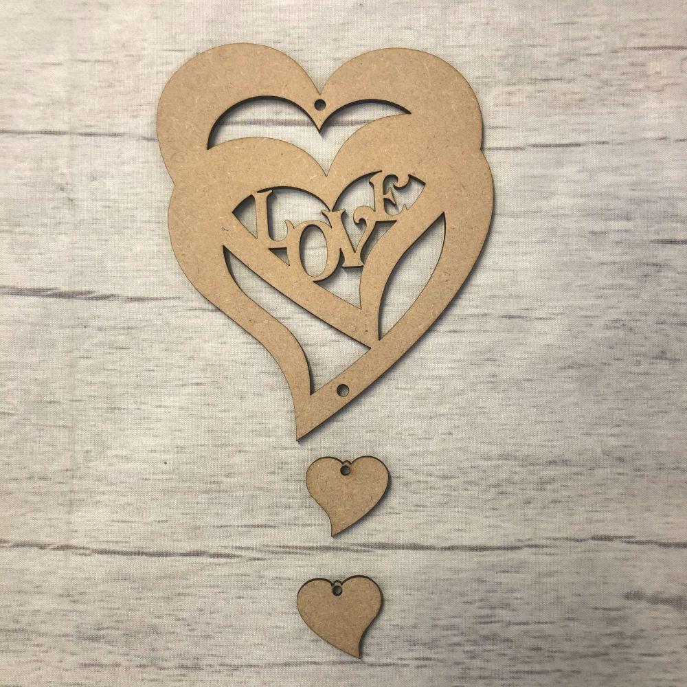 Hanging heart - 'Love' 1
