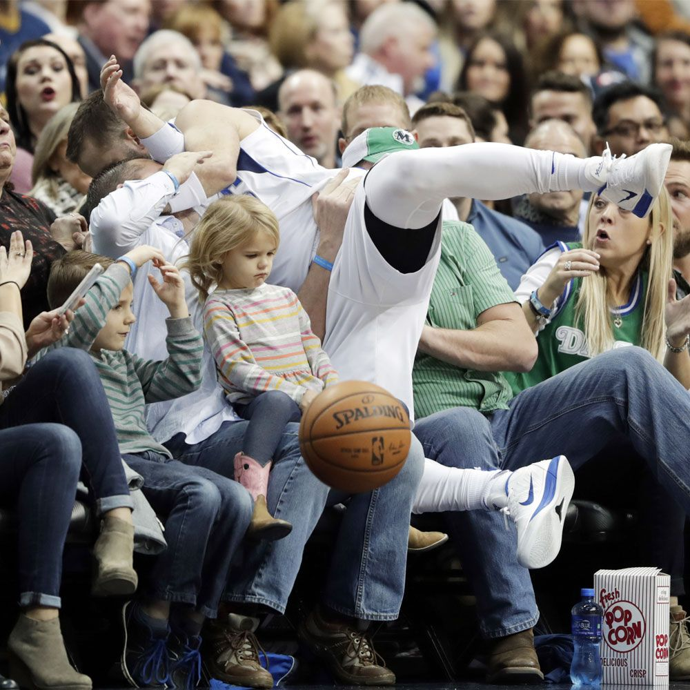 Hilarious-and-Perfectly-Timed-Sports-Photos-of-Athletes-Caught-Mid-Action-9