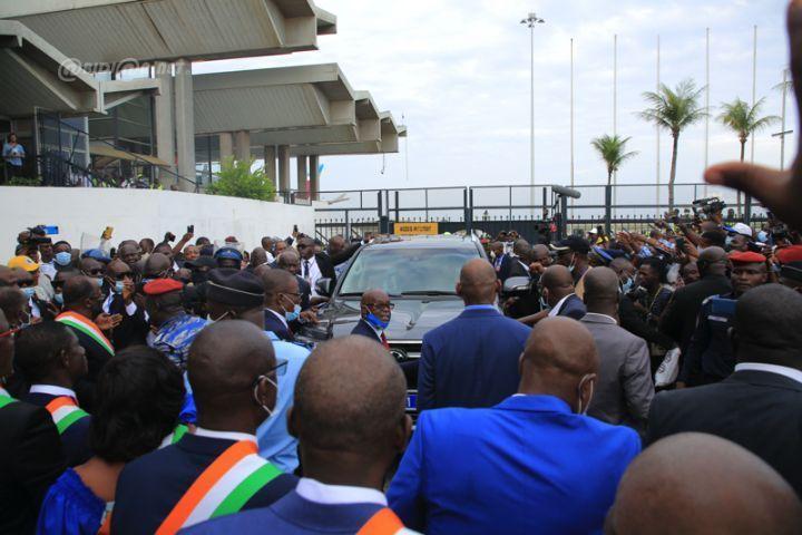 arrivee-gbagbo-0002.jpg