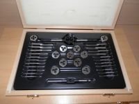 CS STUART & OTHER MODEL LIVE STEAM ENGINE, BA 0 - 10 FULL TAP, DIE & DRILL SET
