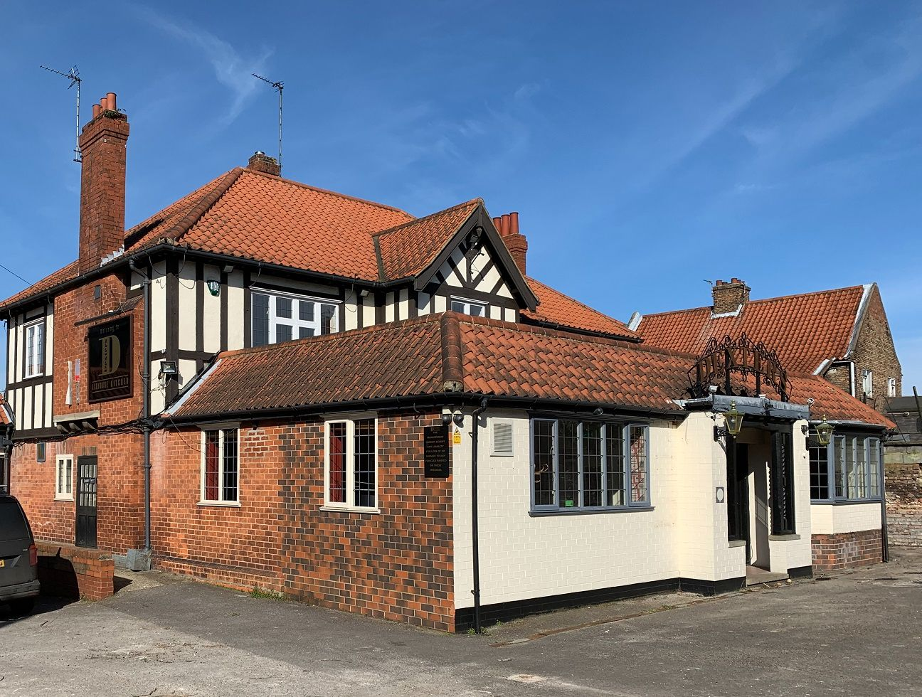 Planning permission granted to convert The Golden Fleece pub to 3 new homes in Louth, Lincolnshire. Planning Application by Fytche-Taylor Planning.