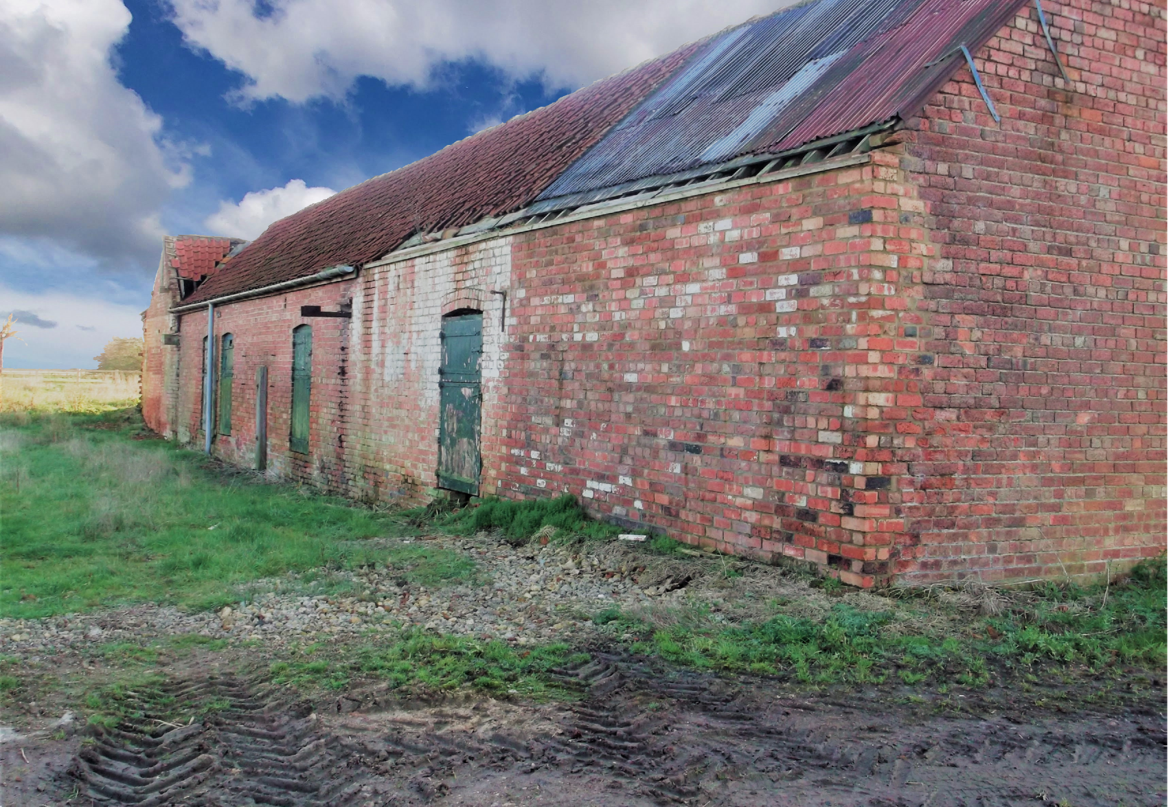 Planning Permission for the conversion of redundant agricultural buildings to form new commercial, retail and residential space in Lincolnshire