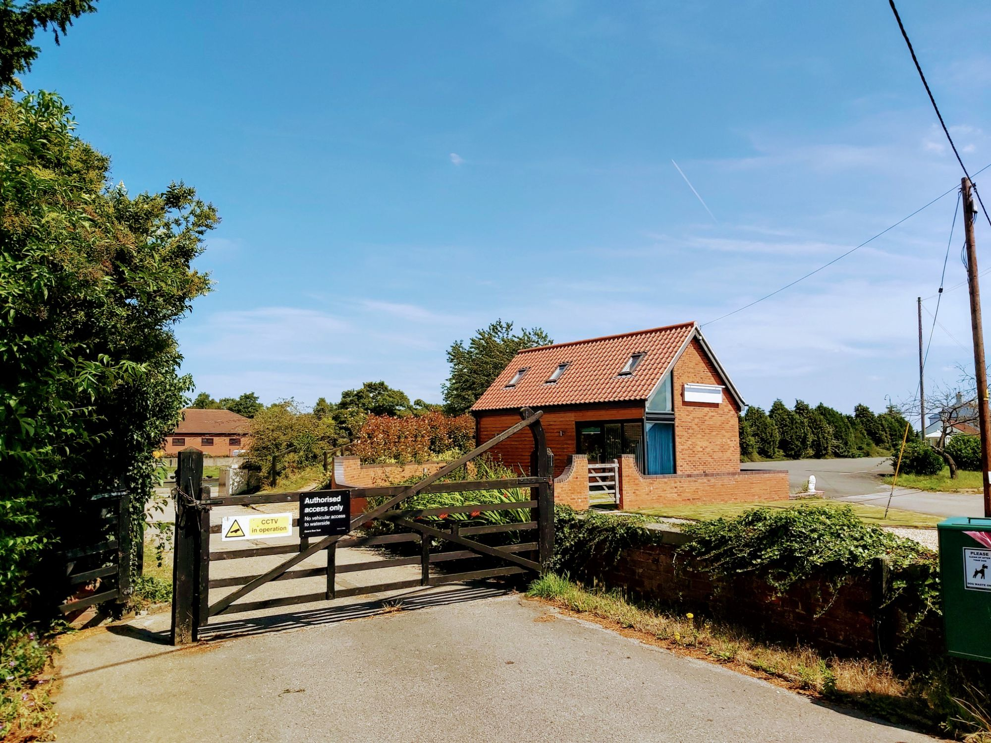 Planning permission granted to form a new holiday let and construct a new holiday lodge at Torksey Lock near Lincoln