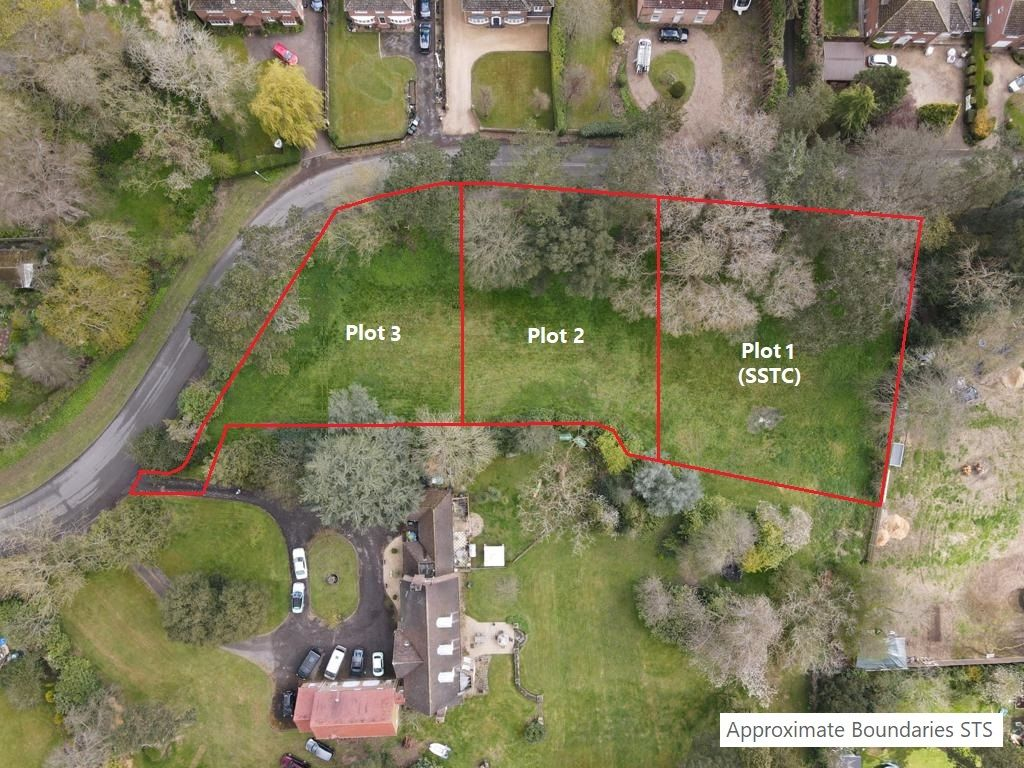A rare opportunity to acquire residential development plots in an exclusive development of three detached homes in Manby, Lincolnshire