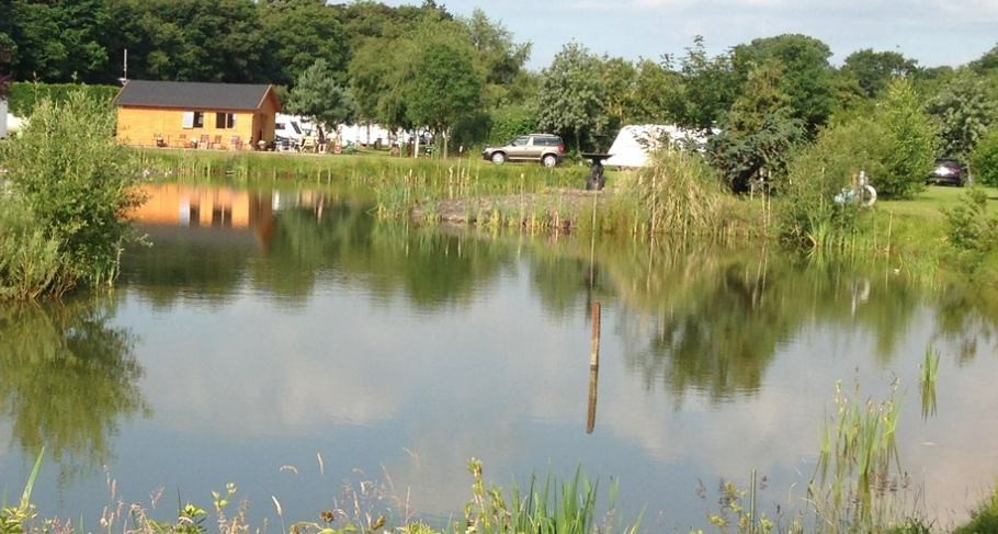 Full planning permission has been approved for new holiday lodges and fishing ponds in Thorney near Lincoln, England