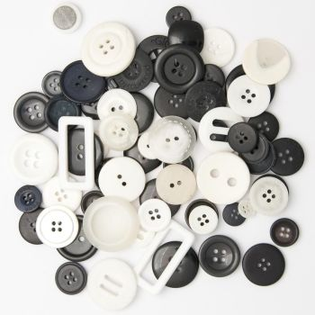 50g BLACK AND WHITE Buttons