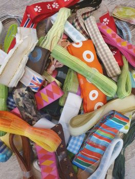 3 x 3 Metre PATTERNED mixed ribbon bundle