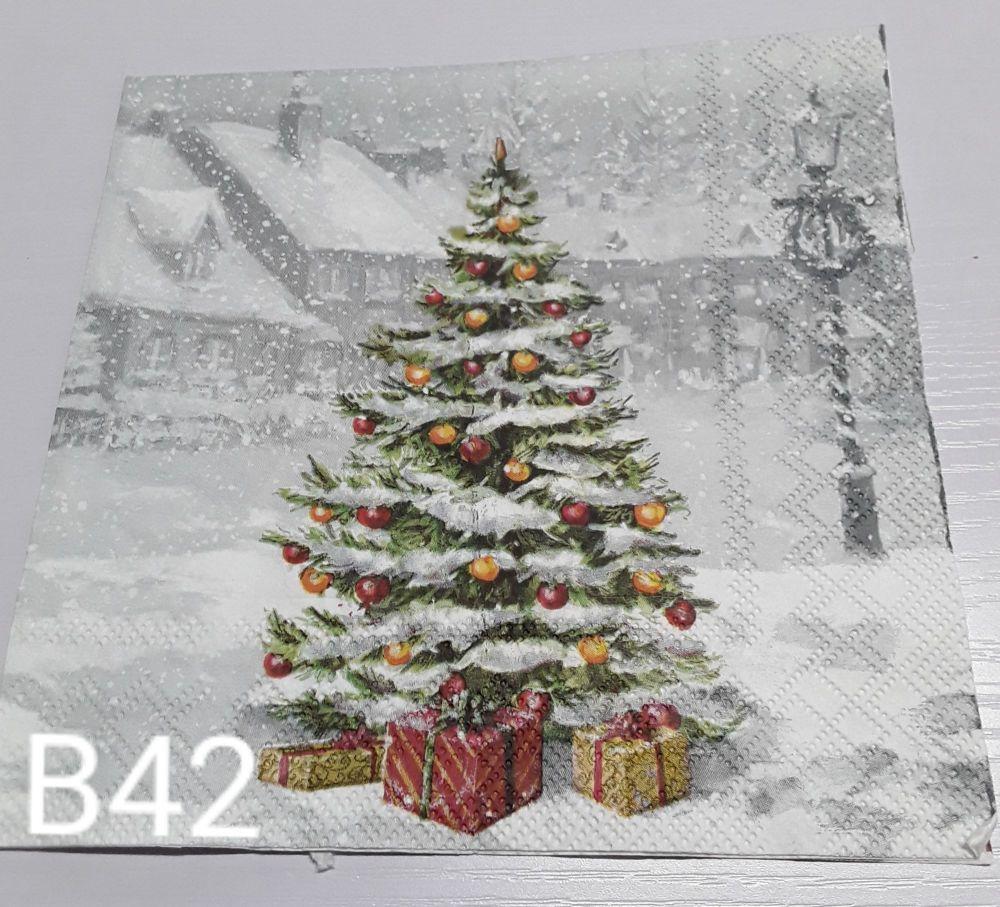 B42 - Christmas Tree